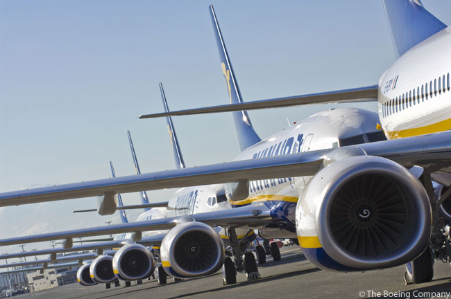 On March 19, 2013, Ryanair announced it would be ordering 175 more Boeing 737-800s, in a deal with a list-price value of $15.6 billion. With about 75 of the aircraft to be dedicated to replacing older 737-800s in Ryanair's existing fleet, Ryanair expected the new order to increase the total size of its fleet to a little over 400 aircraft by 2018